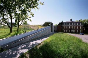 Une biblioth que et son toit vert charlesbourg for Arpidrome charlesbourg piscine